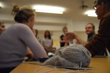 Store strikkedag har haft si præg på ISJ, der strikkes i eventuelle ventetider